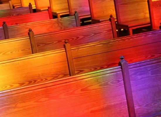 ISKUPAIKAT: Uskaltaisitko mennä hengelliseen tapahtumaan?