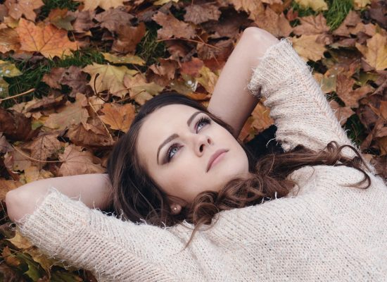 Mikä tekee meistä viehättäviä – ihastumisen psykologia